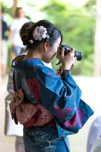 In Japan you see a lot of girls (mostly tourists) dressed in Yukata, but this time she was taking photos, with a DSLR Camera! What a moment of such a great site, tradition blended with modern life. Ryoan-Ji, Kyoto, Japan