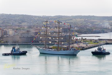 ARM Cuauhtémoc Mexican Navy Training Ship maneuvering. Civitavecchia, Italy