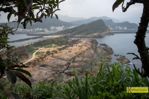A very Taiwanese frame. Taiwan's nature combines sea, rivers, green hills and mountains. Yehliu is a fine example.